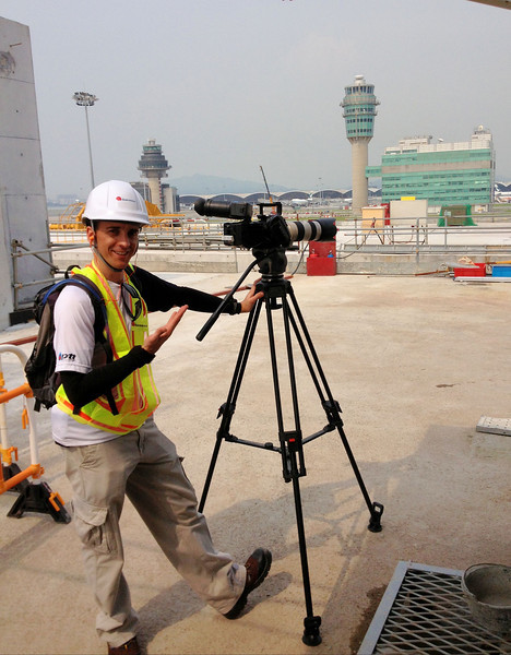 """With a gruesome 33 Celsius at Chep Lak Kok International Aiport """"Midfield"""", Oli keeps his cool."""