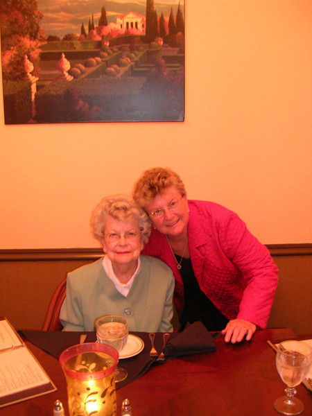 20080301-5851_0-Bobbi&Ruth.jpg