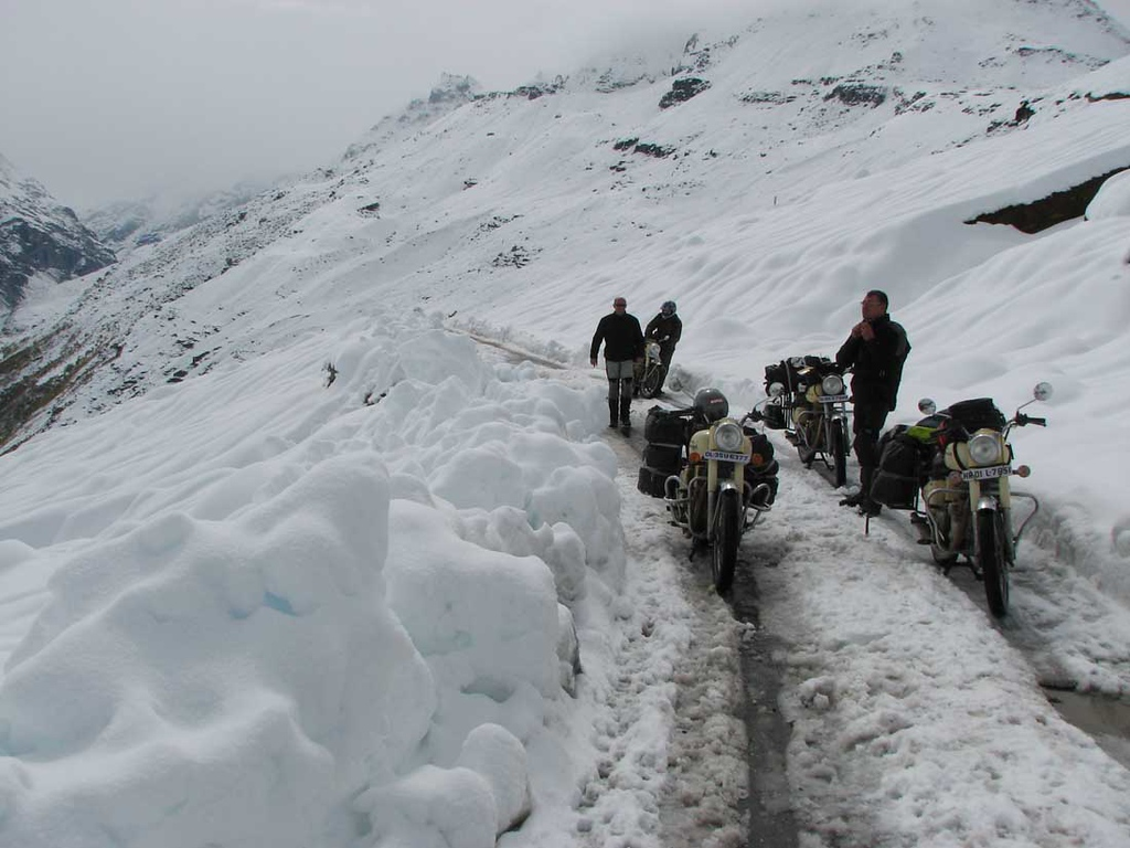 Aanval ingezet op de laatste pas. Baralacha La. Waar aan de andere kant onbezorgd geskied wordt