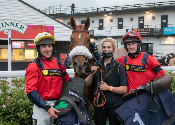 Uttoxeter Races - Tue 6 July 2021