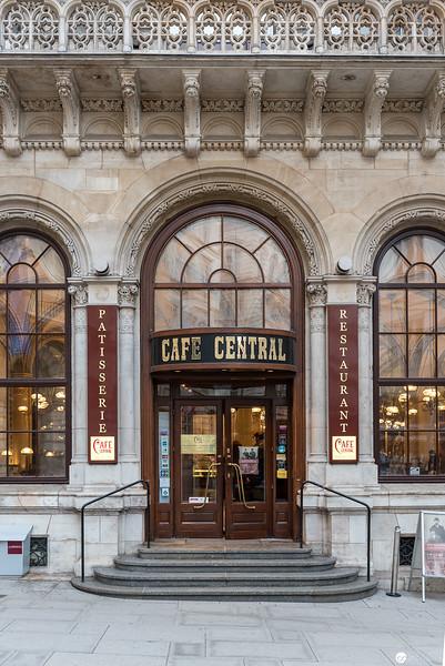 Architekturfotografie im Cafe Central
