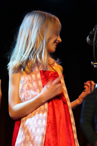 2011.12.12 Suzi Shelton Concertf-96.jpg