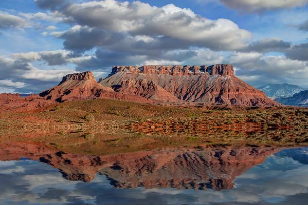 Utah's Bluffs & Mountains