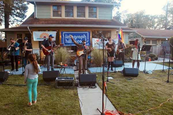 LIVE OUTDOOR MUSIC EVENTS PROVE ASBURY STILL HAS IT