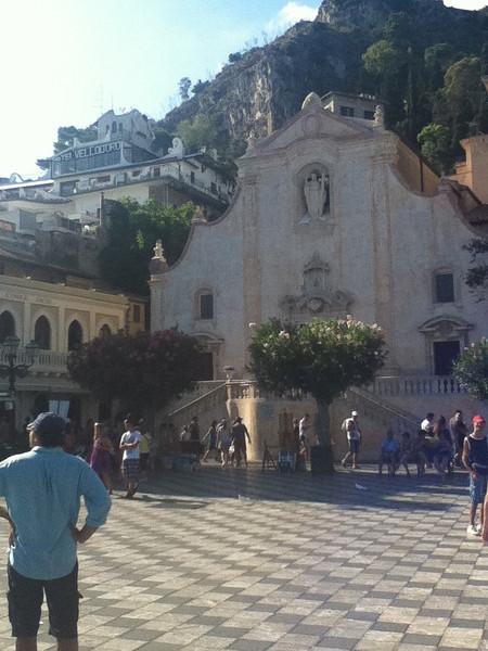 20110812-Ginka-Sicily-20110812--IMG_1245--0201.jpg
