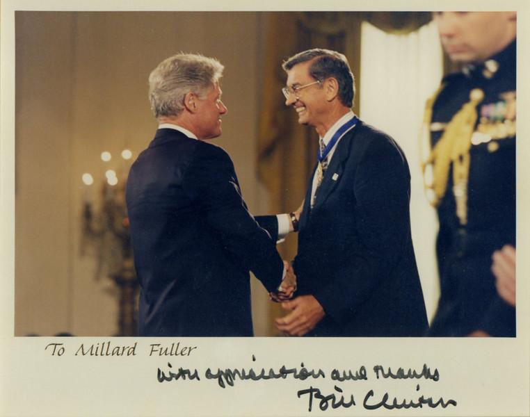 [66]1996 Clinton-Medal of Freedom.jpg
