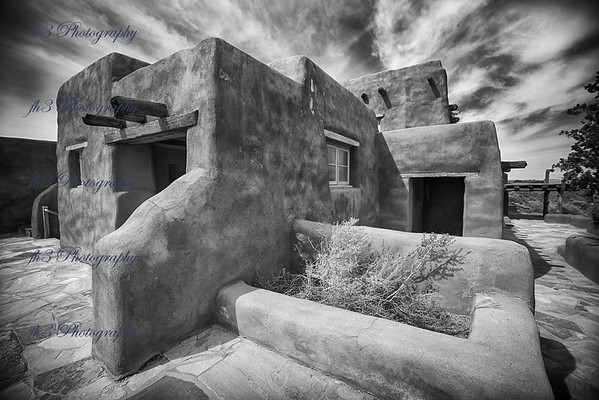 Adobe Inn,  Petrified Forest National Park. I rented the 15 mm Laowa lens, I truly like the lens and will probably end buying in the future.