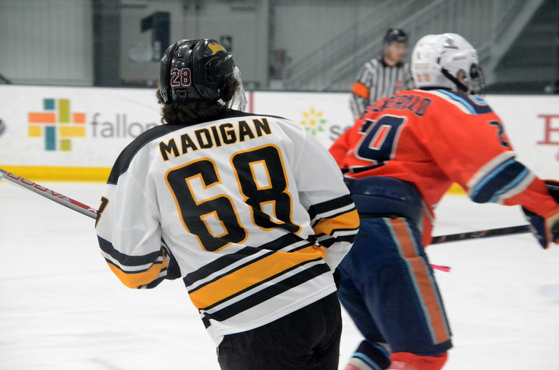 180281 Junior Bruins Hockey-013.JPG