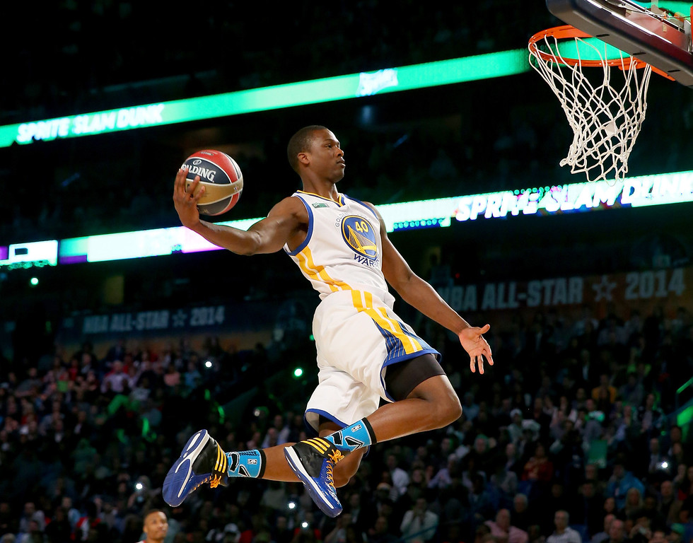. NEW ORLEANS, LA - FEBRUARY 15: Western Conference All-Star Harrison Barnes #40 of the Golden State Warriors competes in the Sprite Slam Dunk Contest 2014 as part of the 2014 NBA All-Star Weekend at the Smoothie King Center on February 15, 2014 in New Orleans, Louisiana. (Photo by Ronald Martinez/Getty Images)