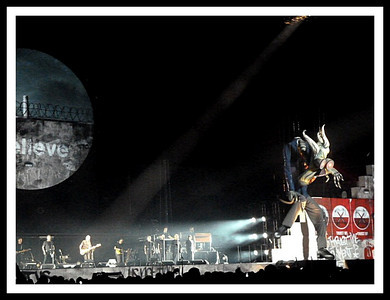 """Roger Waters - """"The Wall""""  Izod Center   Nov 2010"""