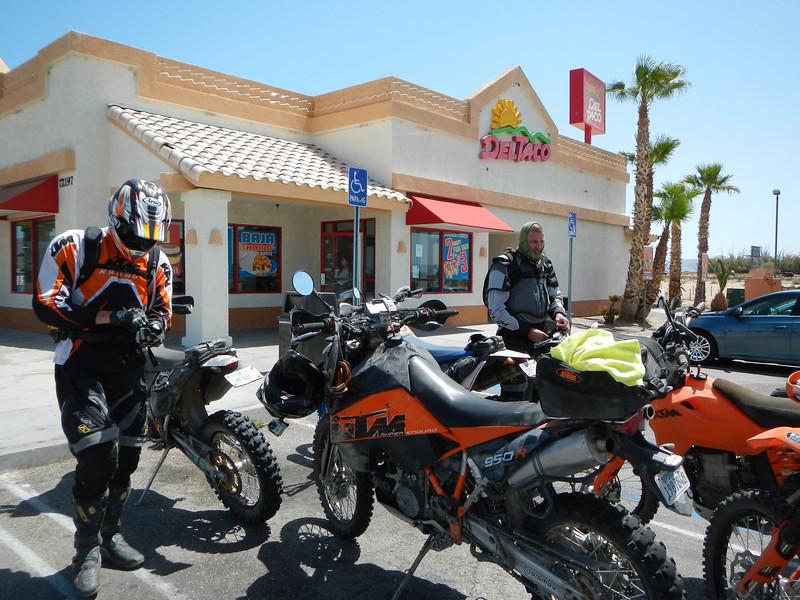 MojaveTrailMayhem2012-04-29 10-47-30.JPG
