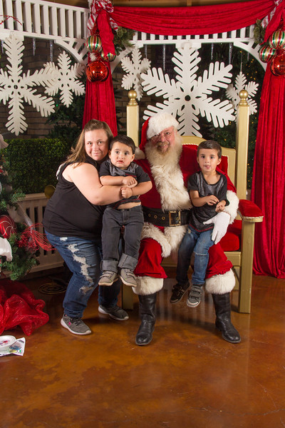 Santa 12-16-17-132.jpg