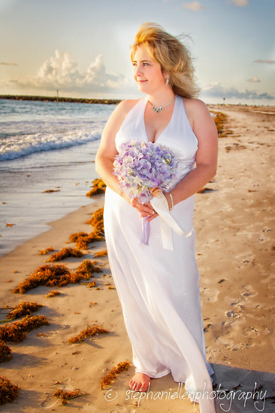 20140819beachwedding_clearwater_Tampa_Stephaniellenphotography.com-_MG_0144-Edit.jpg