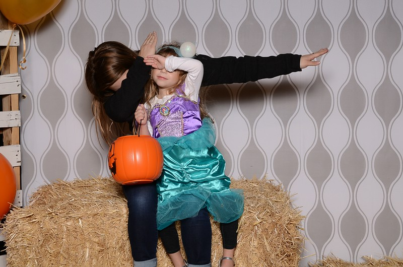 20161028_Tacoma_Photobooth_Moposobooth_LifeCenter_TrunkorTreat1-16.jpg