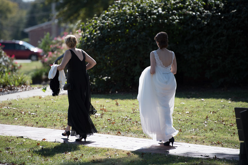 Drew and Taylor - Before the Ceremony  (97 of 216).jpg