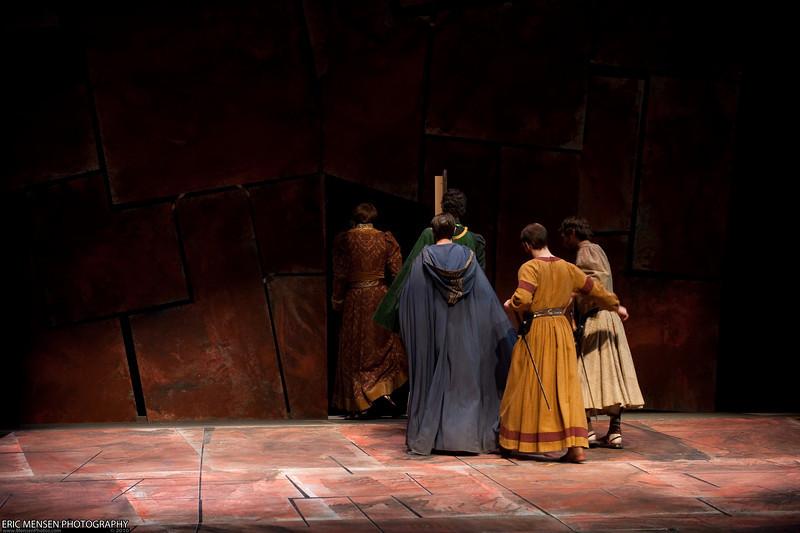 Macbeth-100.jpg
