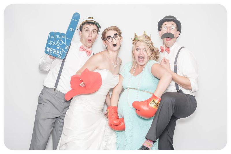 Laura+Ross-Wedding-Photobooth-087.jpg