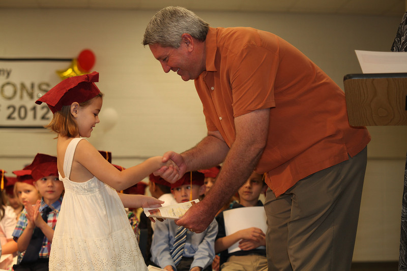 2012May18_MTA Kinder Grad_9754.JPG