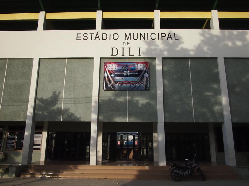 P5258875-dili-stadium.JPG