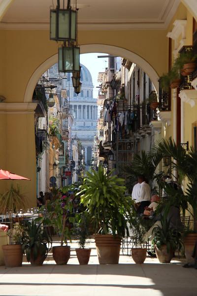 Street scene near the Plaza Viaje.