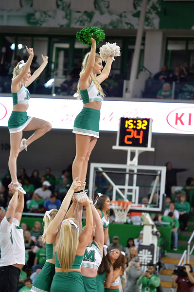 cheerleaders2323.jpg