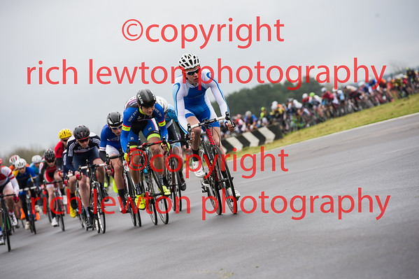Castle Combe Easter Classic - 3rd Cat Race