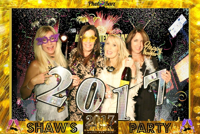Shaws NYDay Party (57).jpg