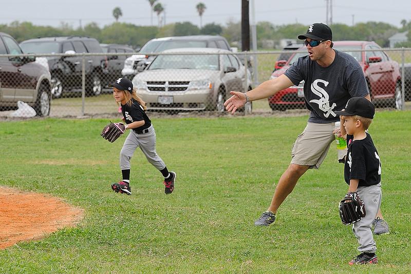 DSC_0697_0131_Baseball 101712.jpg