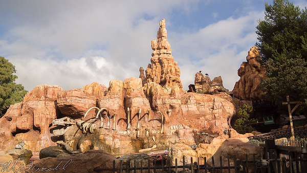 Disneyland Resort, Disneyland, Frontierland, Big Thunder Mountain Railroad, Big Thunder, Star Wars, Star Wars Land, Trail, Jamboree