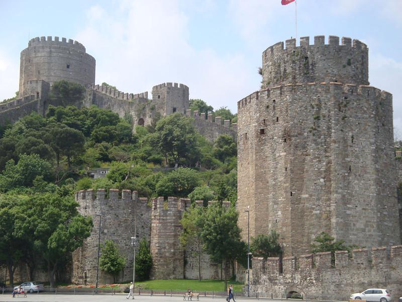 Bosphorus castle towers.JPG