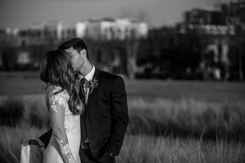 Kate&Josh_B&W_ZACH.WATHEN.PHOTOGRAPHER-424.jpg