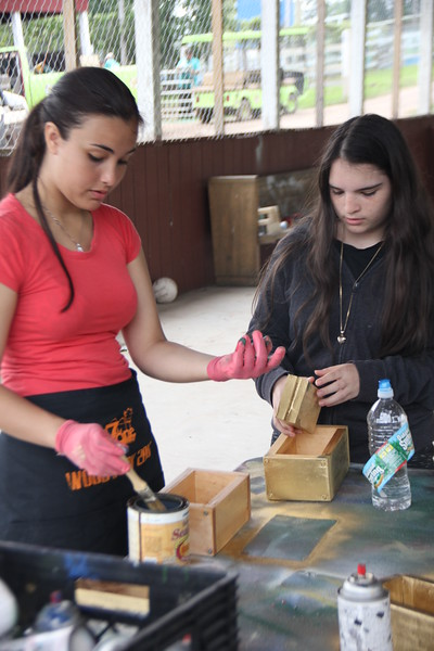 kars4kids_thezone_camp_GirlDivsion_workshops_WoodWorking (59).JPG