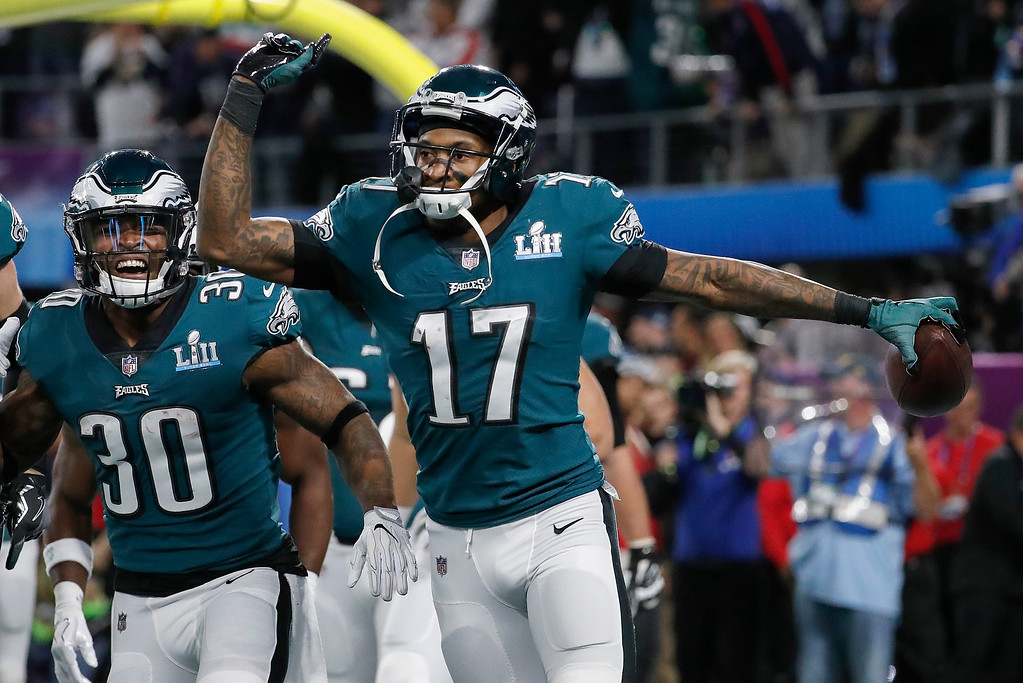 . Philadelphia Eagles\' Alshon Jeffery (17) celebrates his touchdown catch during the first half of the NFL Super Bowl 52 football game against the New England Patriots Sunday, Feb. 4, 2018, in Minneapolis. (AP Photo/Matt York)