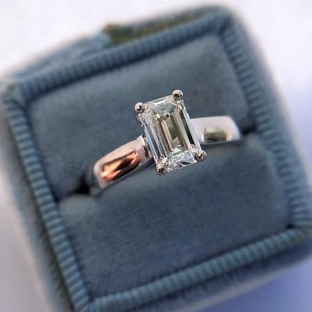 1.00ct Emerald Cut Platinum Solitiare GIA I VS1