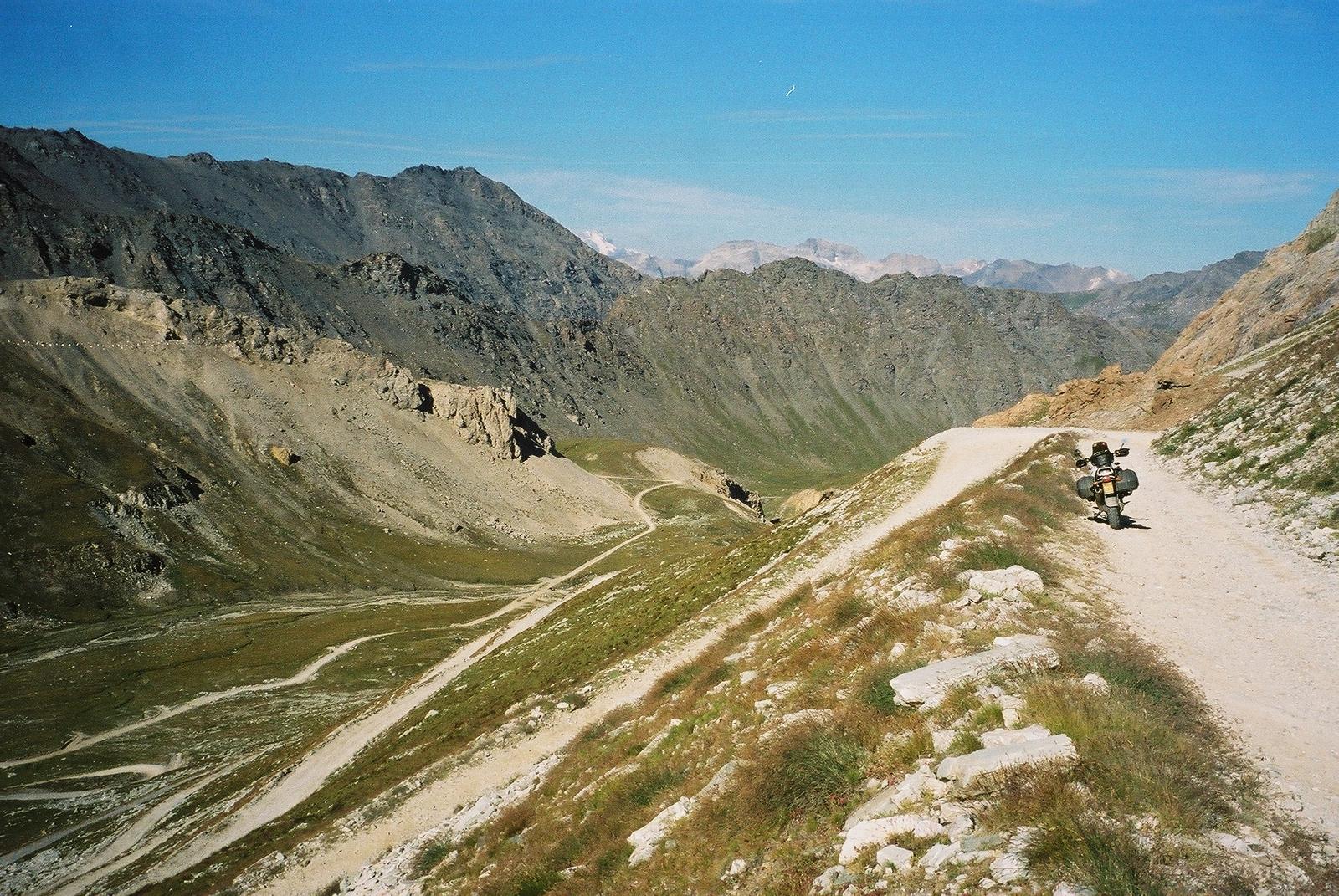 2003 afdaling hoogste flank Pointe Sommeiller. De top zelf was onbereikbaar