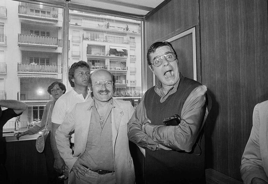 ". German director Volker Schlondorff, just awarded the ""Gold Palm\"" of the Cannes Film Festival for his film \""The Tin Drum,\"" poses with American comedian Jerry Lewis on May 24, 1979 in Cannes, France. (AP Photo/Jean-Jacques Levy)"