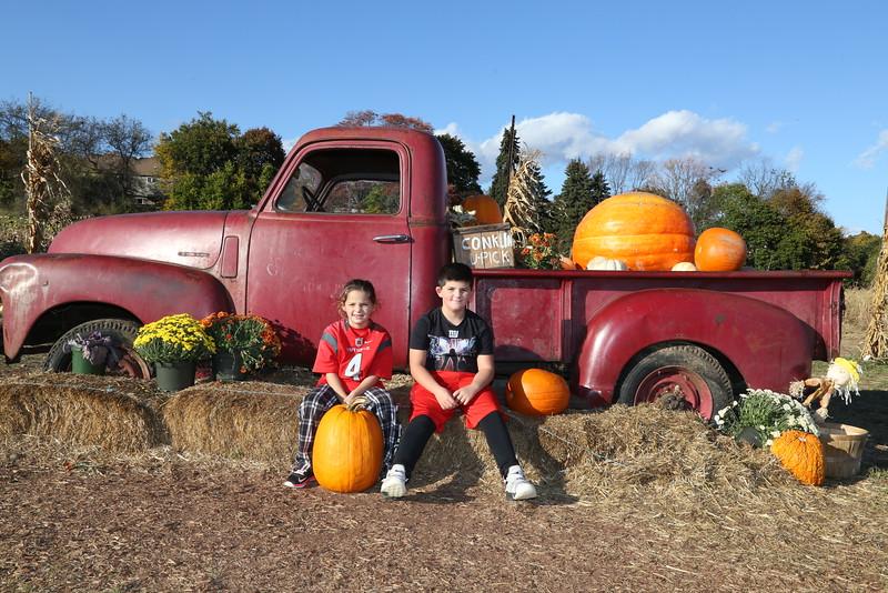 10-24-16 Pumpkin Picking