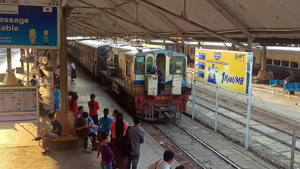On the road to Mandalay - riding trains in Myanmar