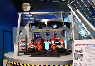 children-and-adults-learn-about-space-at-discovery-science-place