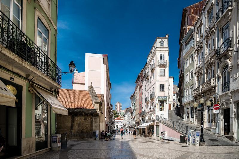 Lisboa- Street - 2 (1 of 1).jpg