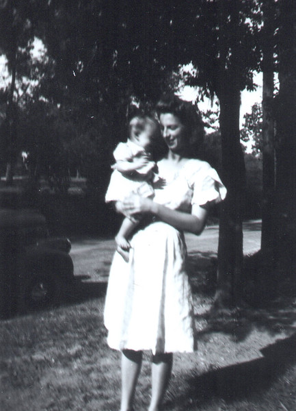 1944 Annie Kennedy Geary with Annie Marie Geary.jpg