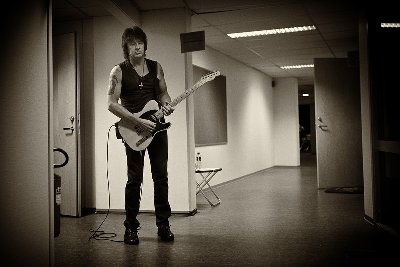 . June 15, 2011 - Bon Jovi guitarist Richie Sambora warms up backstage before the band\'s show at Ullevaal Stadium in Oslo, Norway on June 15, 2011.  (Photo credit: David Bergman / Bon Jovi)