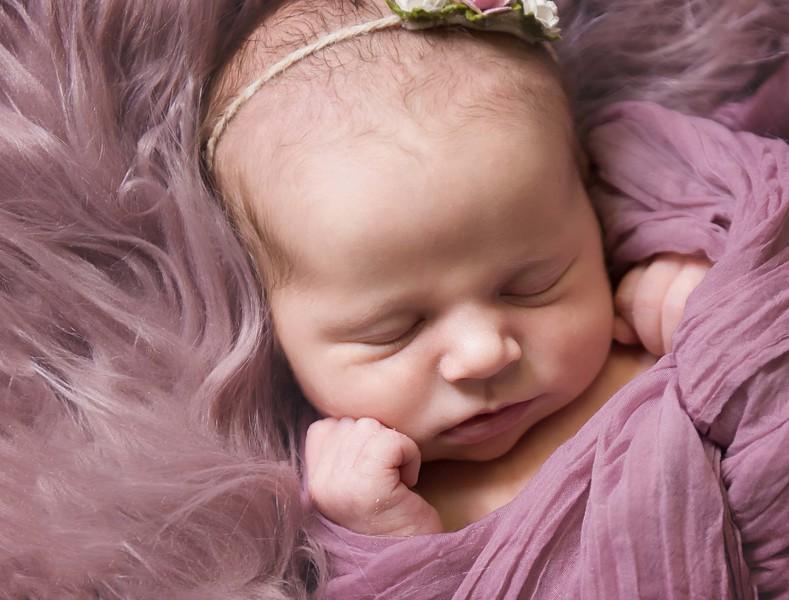 newborn pictures marion cedar rapids iowa 118.jpg