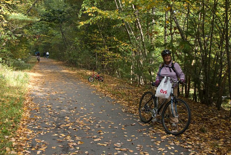 Caroline at edge of trail   (Oct 13, 2007, 02:01pm)