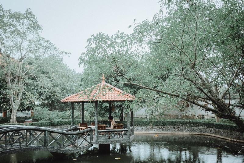 Tu-Nguyen-Destination-Wedding-Photography-Elopement-Vietnam-Pali-Louis-w-32.jpg