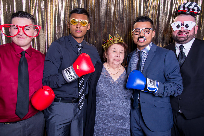 photo booth by Click Happy Productions-11.jpg