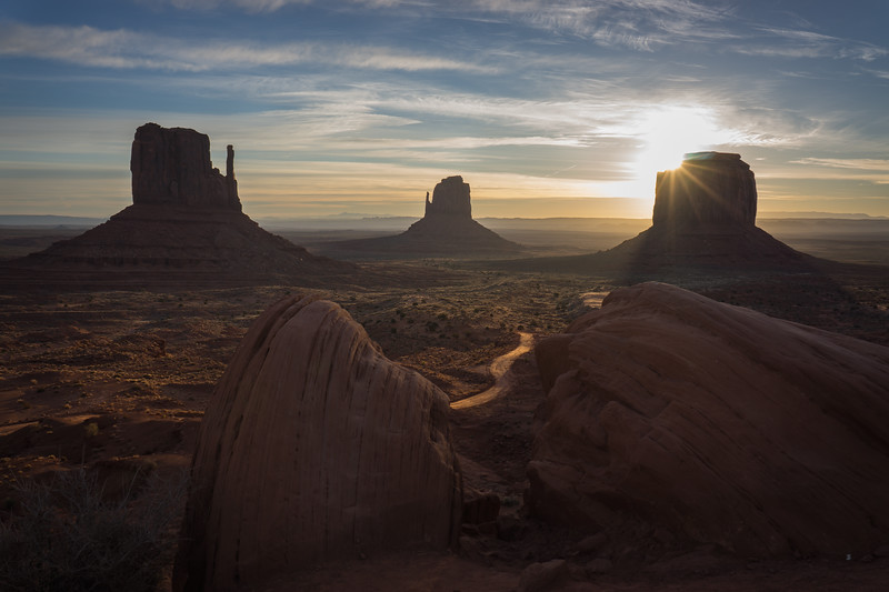 Monument_Valley_Sun_Hank_Blum_Photography.jpg