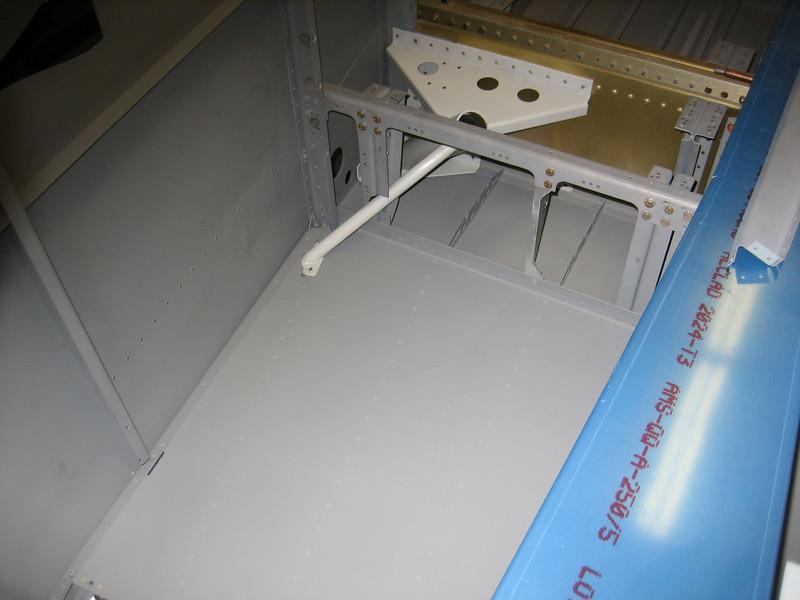fuselage side skins 084.JPG