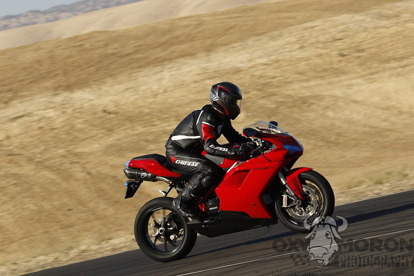 848 Red