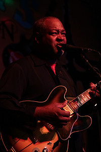 Blues - Carl Weathersby at Wilebski's Blues Saloon